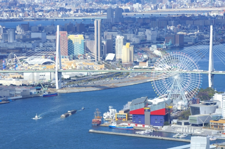ハイヤーサービスの送迎からのヘリコプター遊覧!海遊館や大阪城など大阪の観光名所が一望できます!